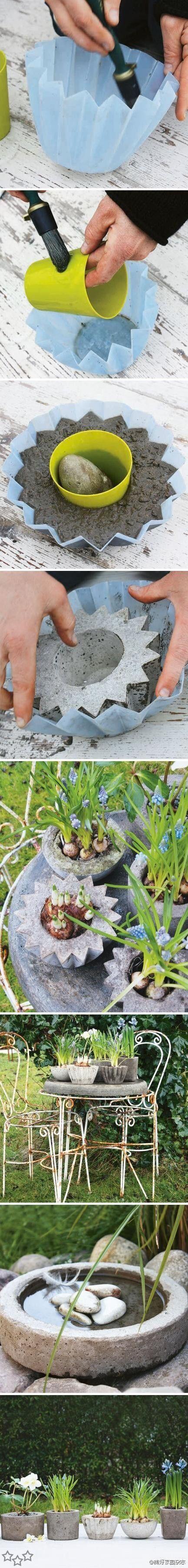 Bonitas macetas hechas de cemento con la ayuda de unos moldes plástico o silicona previamente untados con aceite. Comenta con Facebook comments