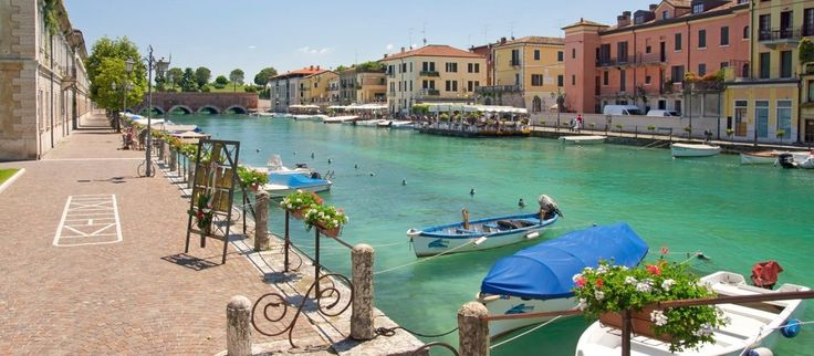 Two Lake Garda towns: Peschiera and Lazise with aperitif (tour in a small group) - Tryverona