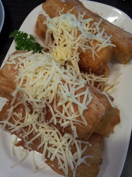 Singkong keju / Cassava with cheese