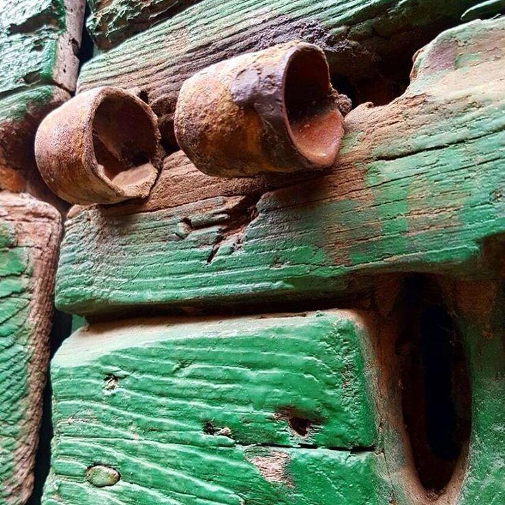 #iseethingsthatotherdont #pareidolia #faccette #facehunter #green #door #facesinthestrangestplaces