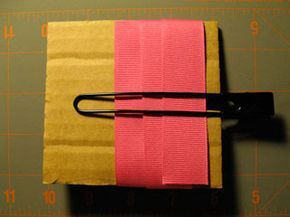 how to make pinwheel bow using a homemade cardboard template