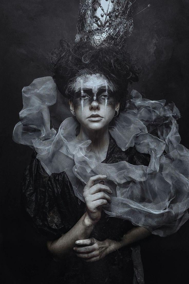Dark Photography / Woman / Surreal / Creepy // ♥ More @Dark Wonderland