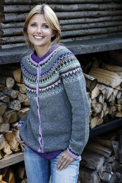 Flot trøje med rundt bærestykke - Hendes Verden