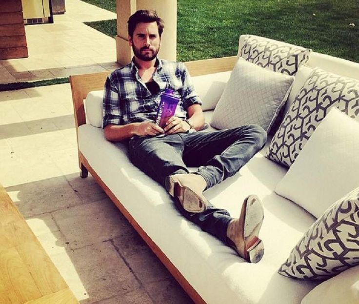 Scott Disick, Scott Disick Job, Keeping Up With The Kardashians, Keeping Up With The Kardashians 2015, Keeping Up With The Kardashians Season 10, Keeping Up With The Kardashians 2015 Cast, Keeping Up With The Kardashians Cast, Keeping Up With The Kardashians Spoilers, Keeping Up With The Kardashians Season 10 Cast, KUWTK Season 10 Cast
