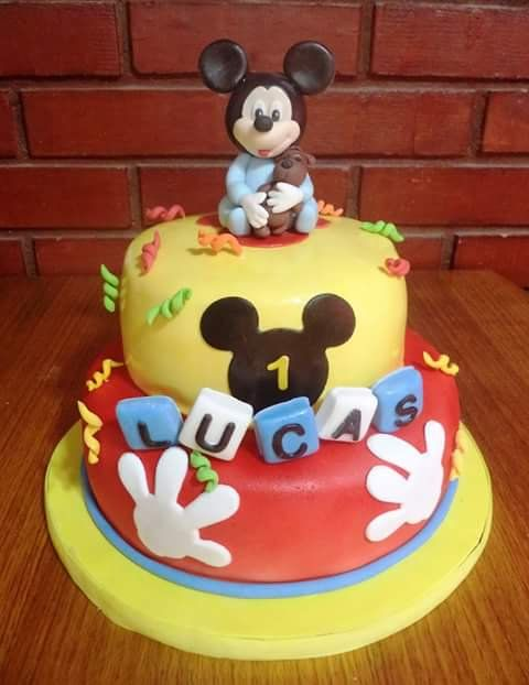 #Mickey #fondant #cake by Volován Productos  #BabyMickey  #instacake #puq #Chile #VolovanProductos #Cakes #Cakestagram #SweetCake