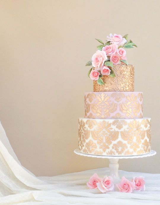 Gold damask pattern cake - Cake by Sevacha cake - CakesDecor
