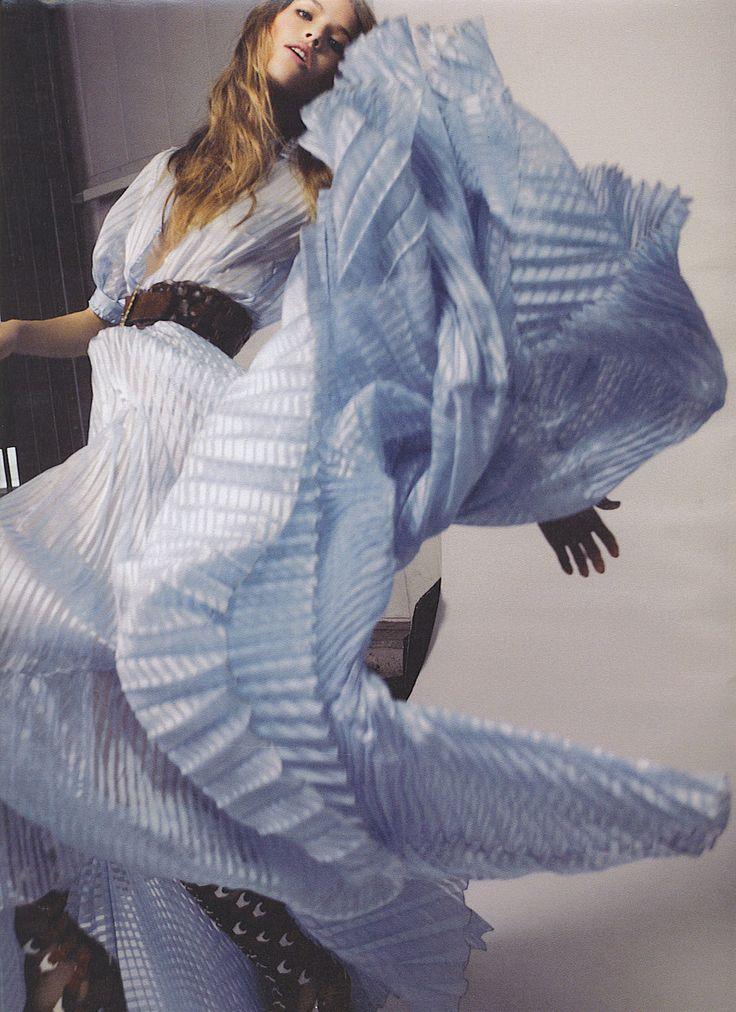 W January 2008: Blue Dresses, Ice Blue, Fashion Photos, Www Fashion Net, High Fashion, Fashion Photography, Fashion Editorial, Baby Blues, Powder Blue