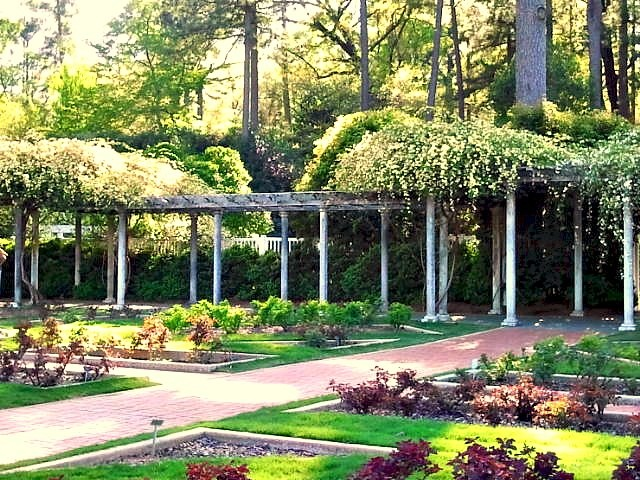 Wordless Wednesday    Birmingham Botanical Gardens 55 best BELLINGRATH GARDENS images on Pinterest   Mobile alabama  . Mobile Alabama Botanical Gardens. Home Design Ideas