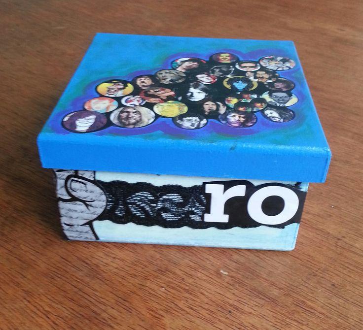 Caja collage rockera im genes de los grandes rockeros - Caja decorada con fotos ...
