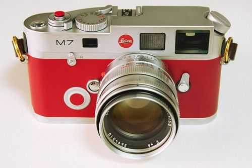 more camera porn from leica (M7). #camera #lieca #red
