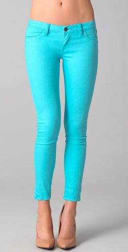 I love these pants! I have a bright purple pair already and they are so fun and flirty for Spring.