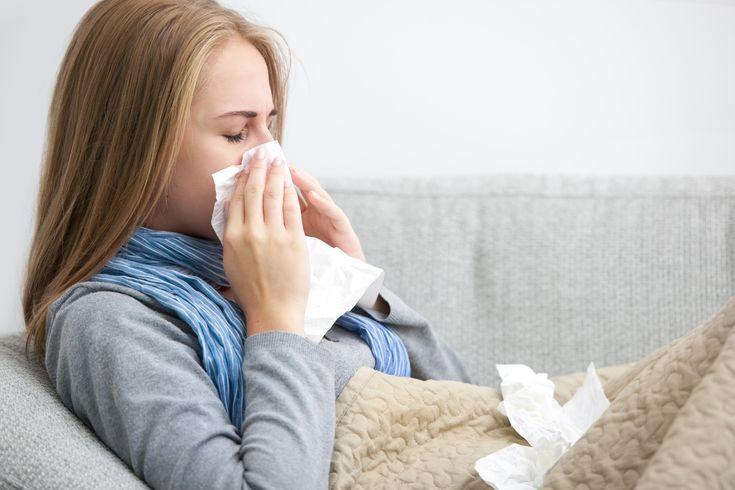 Lääkäri+suosittelee+upottamaan+jalat+hetkeksi+jääveteen+–+auttaa+pitämään+flunssan+loitolla