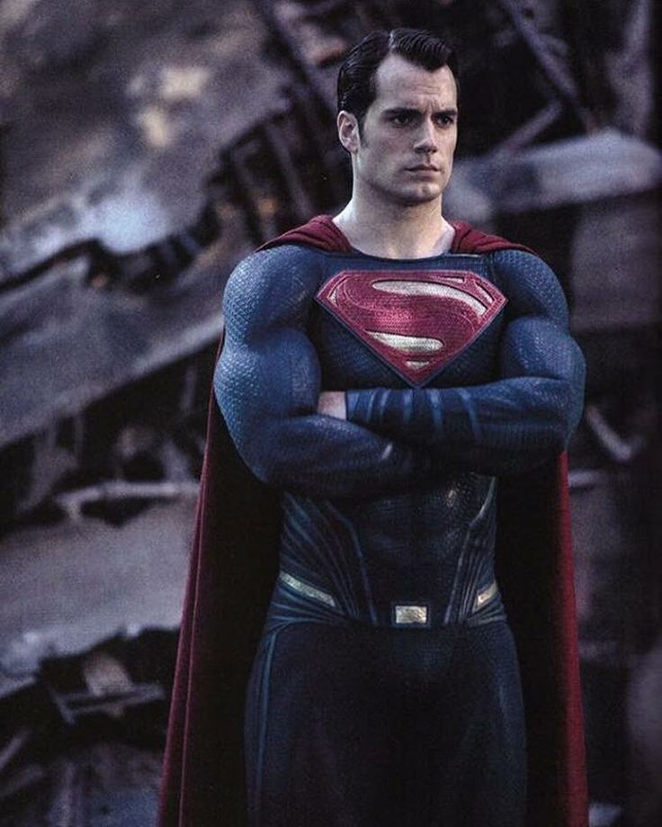 New image of Superman from the official BvS Magazine.  Justice League starts filming Monday!  #henrycavill #superman #clarkkent #manofsteel #batmanvssupermandawnofjustice #justiceleague #dcuniverse