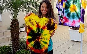 Aprenda a fazer uma camiseta Tie Dye!