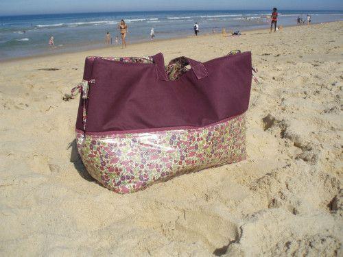 { Amener jusqu'à 4 petits enfants à la plage ne fait pas peur à super mamie * Mais avoir un sac de plage trop petit est un vrai inconvénient * Pour faire rentrer six serviettes de plage, six maillots, 4 paires de lunettes de plongée, 4 gouters, etc.,...
