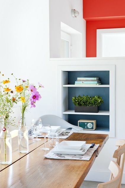 Built-in bookshelf in dining room.Wall Colors, Zeroenergi Design, Modern Dining Rooms, House Retreat, Farmhouse Dining Room, Passive House, Built In, Bookcas, Dining Room Decor