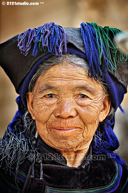 Hani Oldwoman with Traditional Dress by 2121studio, via Flickr