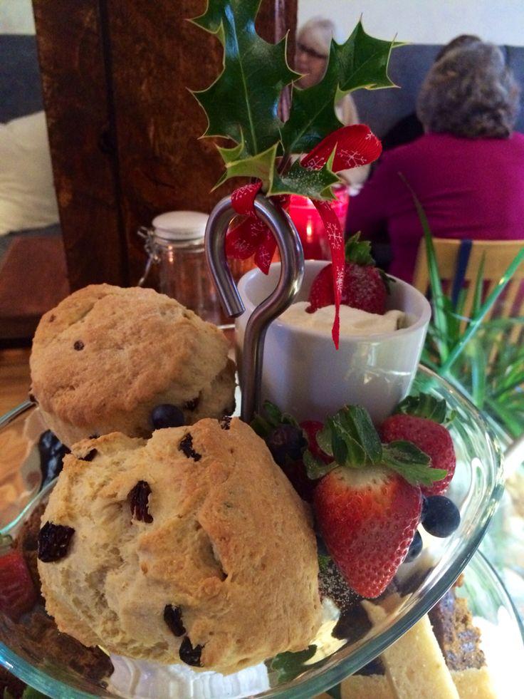 Fruit scones & glitter strawberries