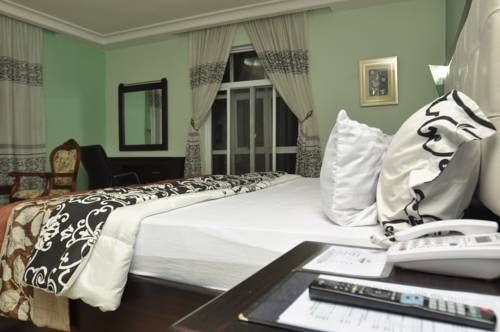Randekhi Royal Hotel - Gold Wing Benin City Randekhi Royal Hotel - Gold Wing offers accommodation in Benin City. The hotel has an outdoor pool and terrace, and guests can enjoy a drink at the bar.  Each room at this hotel is air conditioned and is equipped with a flat-screen TV.