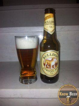 Birra Inglese dal colore biondo scuro, a fermentazione alta il suo nome è Bulldog Strong Ale e viene prodotta dal Birrificio John Smiths