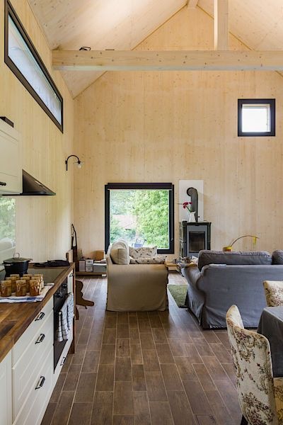 Dům má vynikající tepleně izolační vlastnosti. V zimě hezky drží teplo, v horkém létě se v něm udrží příjemný chlad.