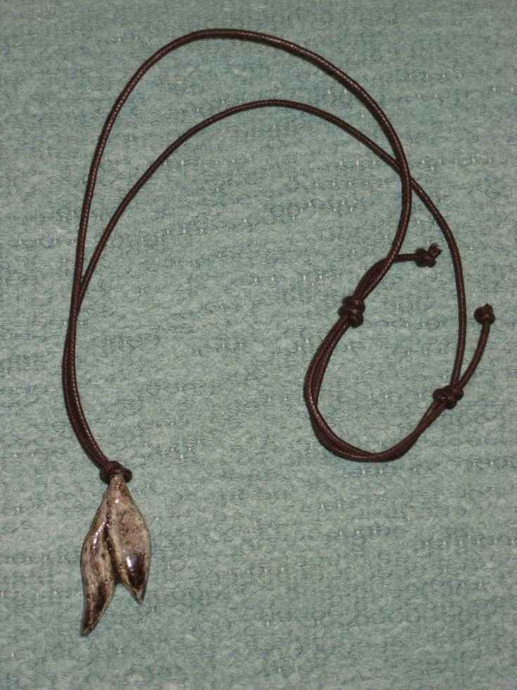 kaulakoru (savi)