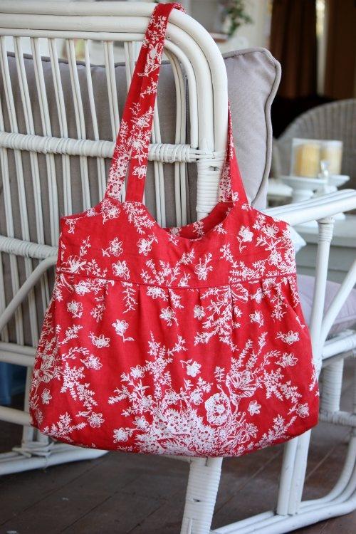 Adelle Hand Bag - so pretty
