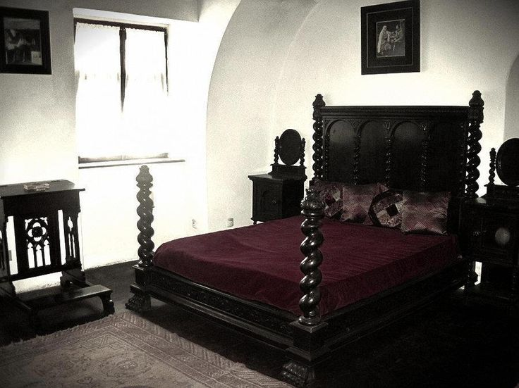Gothic Victorian Bedroom 26 best vampires and goth images on pinterest | gothic room