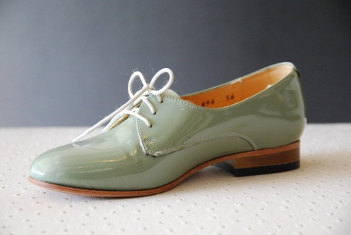 want: Green Shoes, Spring Dresses, Fashion Shoes, Color, Dresses Shoes, Than, Shoes The Misfits, Shoes Glorious, Glorious Shoes