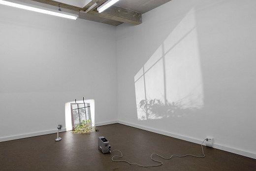 Tint Gallery :: Past exhibitions (Vassiliea Stylianidou, Ulrich Vogl, U. Vogl, Fenster Thessaloniki, 2010 )