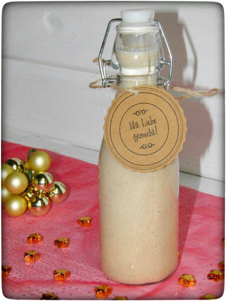Weihnachtlicher Vanille-Mandel Likör - tolle Geschenkidee für die Liebsten. Aus dem Thermomix.