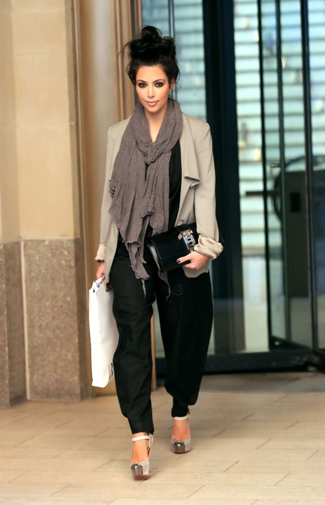 love this look! so chic yet so comfy looking... and the messy top knot is def a must!