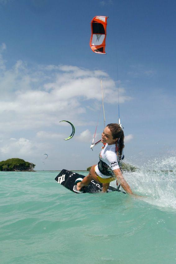 Fille en kite