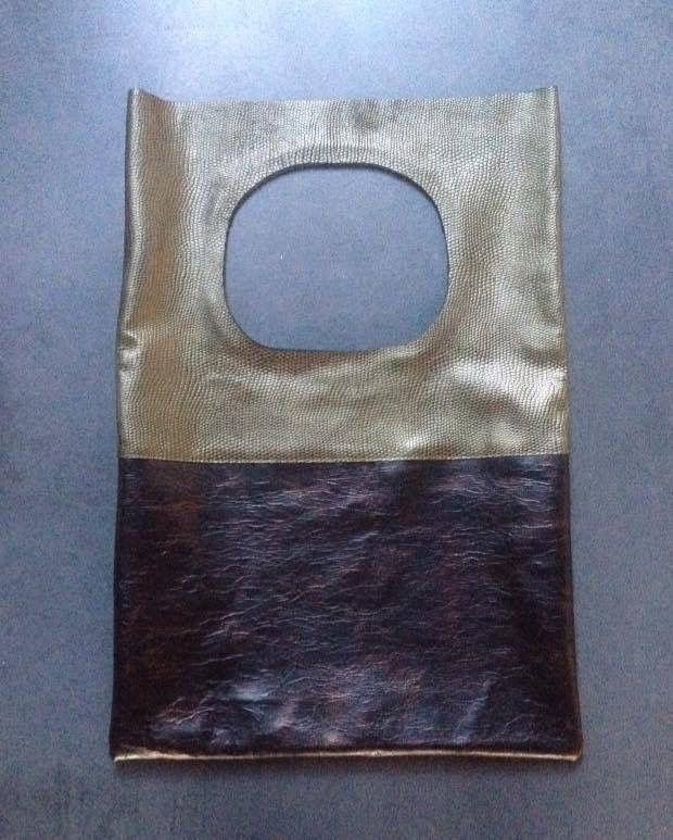 Metallic shoulderbag from IHAY