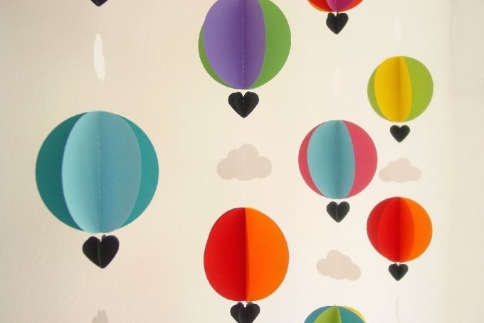 3D Hot Air Balloon Garland by younghearts on hellopretty.co.za