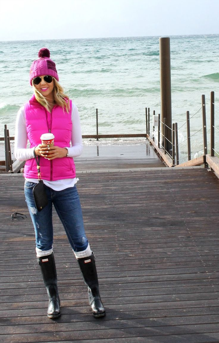 Hot Pink North Face vest, BP white long sleeve, Billabong beanie, AG jeans, Hunter boots, Kendra Scott accessories, Mac candy yum yum lipstick #theblushingbella