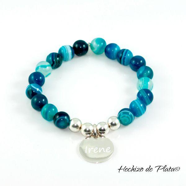 Si te gustan las piedras, ésta pulsera de ágatas y plata, con diferentes tonalidades en azules, es un amor. http://www.hechizodeplata.com/comprar/pulsera-brisa/
