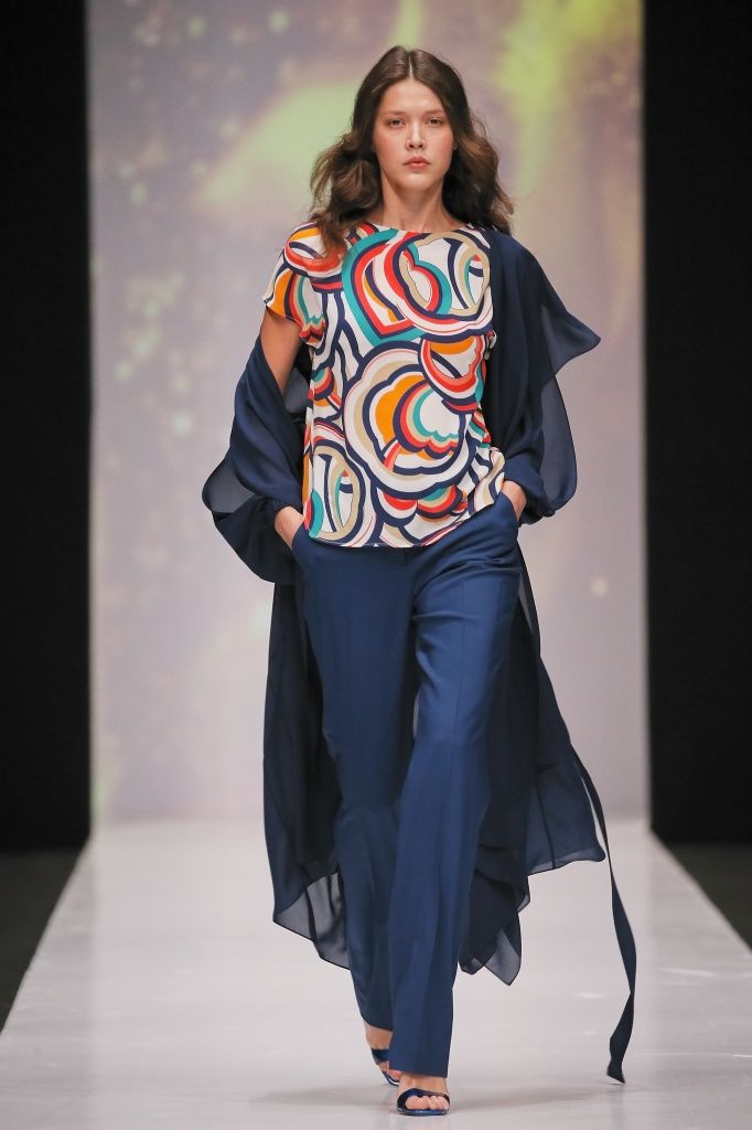 Новая коллекция бренда OFERA by Oksana Fedorova сезона весна-лето 2017 под названием «Пятый элемент» выходит в свет в рамках Недели моды Mercedes – Benz Fashion Week Russia 2016в Москве.