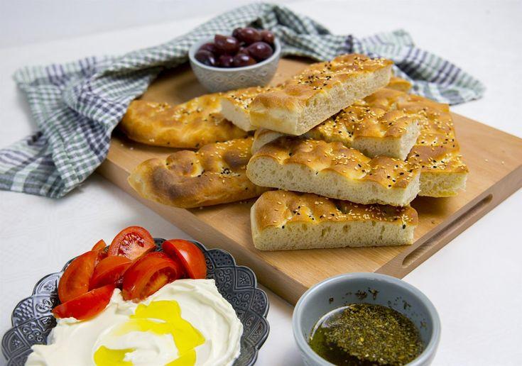 Lagana- Grekiskt bröd - ZEINAS KITCHEN