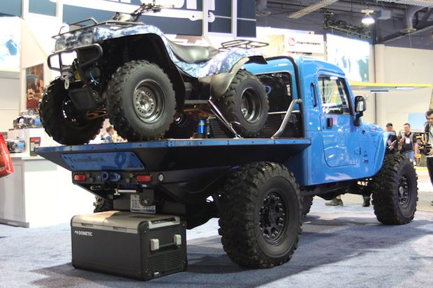 Our Favorite Jeeps From The 2017 Sema Show In 2020 Jeep Jeep