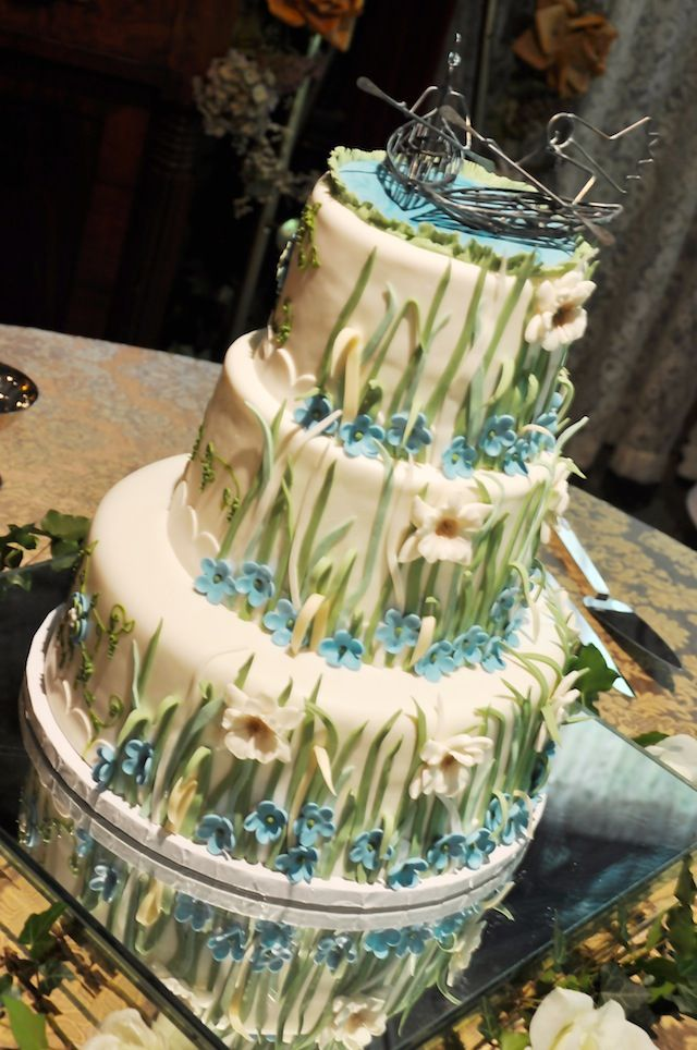 Dare to Design Your Own Cake Couple Create Eclectic Cake for