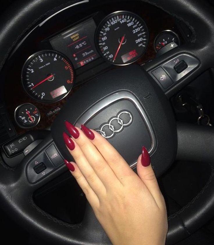 С длинными ногтями за рулем фото, русские порно фильмы как жена изменяет мужа