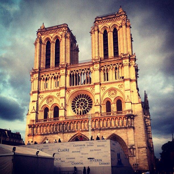 Cathédrale Notre-Dame de Paris Street 6 place du Parvis Notre Dame Locality 4e Extras 4e  metro Cité admission free 7.45am-7pm