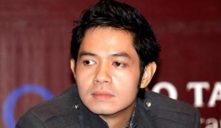 SelebNews.com - Lihat koleksi foto selebriti terbaru dari SelebNews!: Putus Dari Asmirandah, Dude Herlino Sudah Punya Pacar Baru?