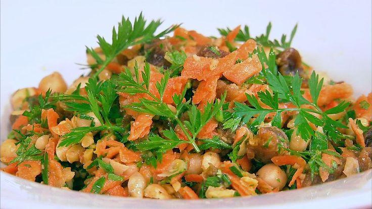 Sallad med torkade aprikoser, kikärter och morötter  Frisk sallad med spännande undertoner av rostad kummin.