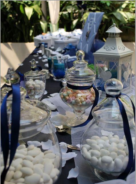 Confettata white and blue. www.weddingsinrome.com