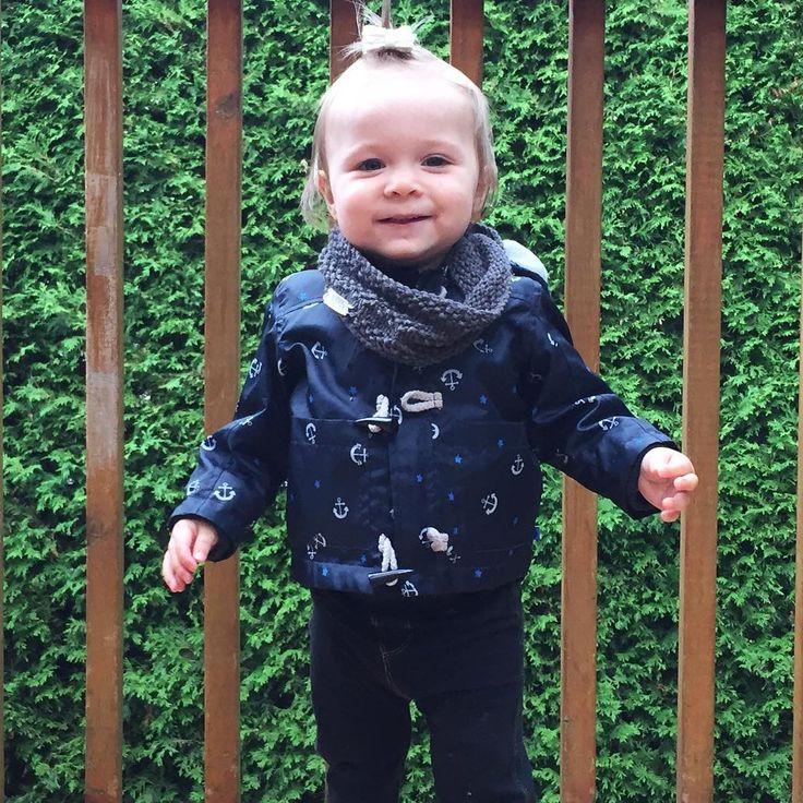 Petite souris d'automne Elle était hyper contente de retourner dehors après le souper c'était beau à voir! #melodiepetitesouris #17mois #avoir1an #etremaman #jelaimetellement #babystyle #babylife #momlife #bebefille #enfant
