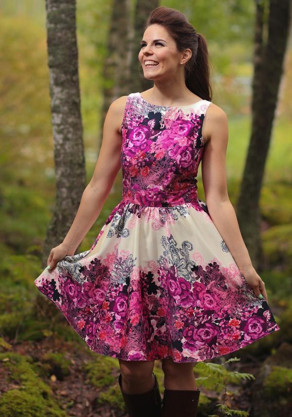 Purple Rose Floral Border mekko Miss Windy Shopista! www