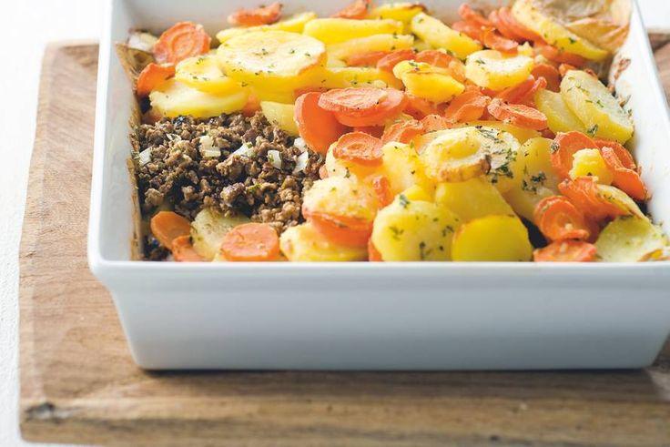 Kijk wat een lekker recept ik heb gevonden op Allerhande! Aardappel-wortelschotel met Quorngehakt