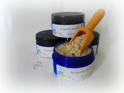 *Crushed raw Cacao - Antioxident/exfoliating  *Crushed rosemary - treats acne, antioxident  *White Kaolin Clay - draws out impurities from skin & increases circulation  *Crushed Frankincense Grains - Soothes the mind, body & soul  *Volcanic Mineral Salt - heals & removes toxins  *Sea Kelp Powder - Tones, moisturizes, soothes skin  *Oatmeal - exfoliates and removes dead skin cells, combats acne  *Coconut Oil - retains moisture  *Manuka Honey - Antifungal, antibiotic, great for acne prone skin…